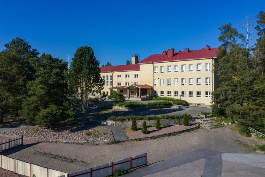 Kiukaisten koulu